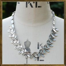 True Leaf necklace