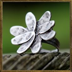 True Leaf ring
